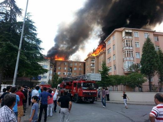 Tuzla Penguenler Sitesinde Yangın